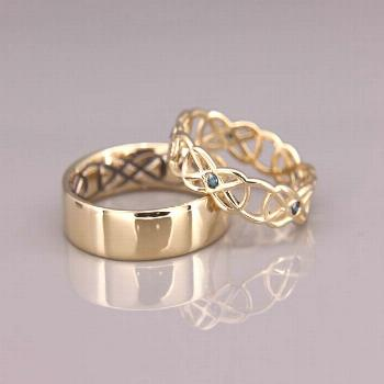 14K Gold Celtic Wedding Rings set with Blue Diamonds |Handmade 14k gold Celtic wedding Rings set |H