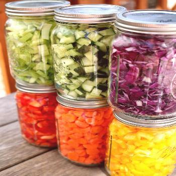 A Dietitian's 8 Tips For Making the Perfect Salad For Weight Loss -