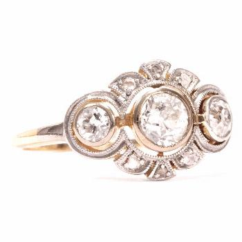 Antique trilogy ring with 0 58 ct gold and platinum diamonds, around 1910